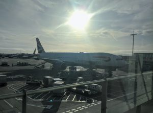 Boeing 777-200 in silhoutte
