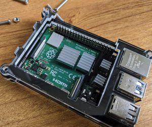 Raspberry Pi 4 in case